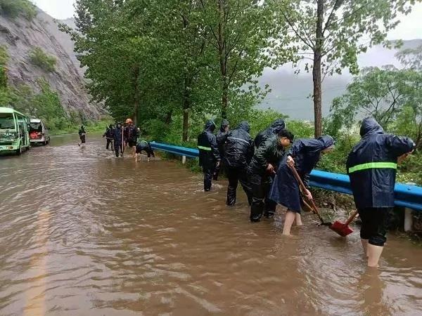 人民至上 风雨同舟河南省各级人大及人大代表防汛救灾在行动